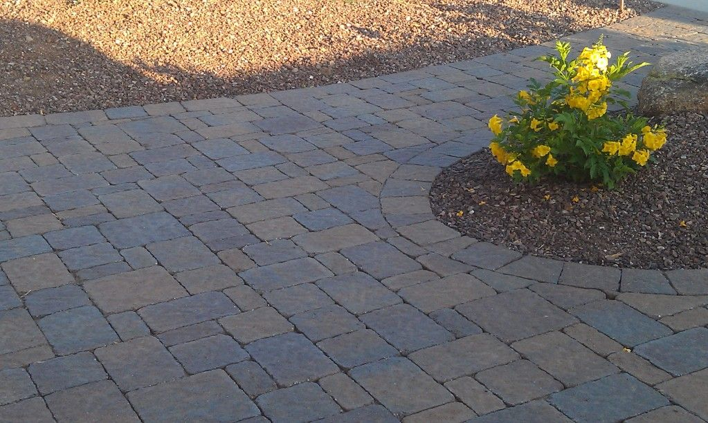 Belgard Bergerac 3 Piece Combo With 10x10 Squares Mixed In For An Entry Into A Courtyard With Pillars Color Is Tuscana Pave Free Photo Gallery Photo Pavers