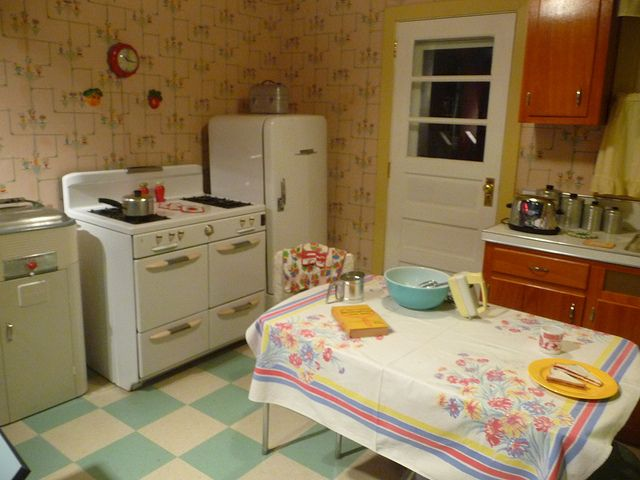 1950S Kitchens Prepossessing 1950's Style Kitchen Kitchens Vintage Kitchen And Retro Decorating Design