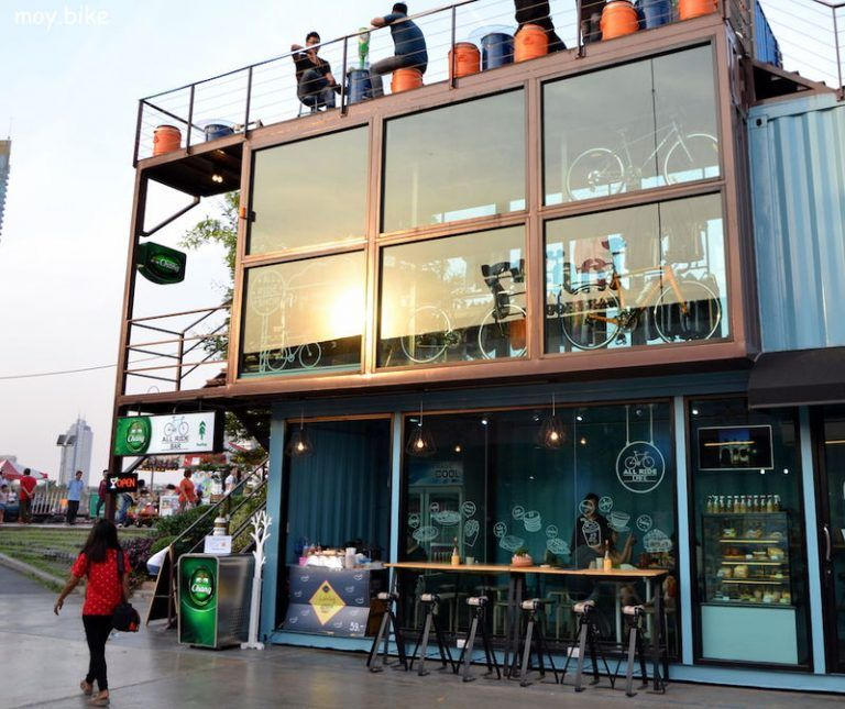 All Ride Café in Bangkok Seecontainer häuser, Container