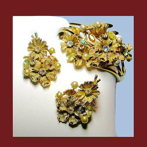 Let's Get Vintage - Parures/Sets - Vintage Coro Breathtaking rare ornate rhinestone pearl demi. Signed CORO - Vintage Costume Jewelry