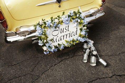 Hochzeitsdeko Fur Das Auto Hochzeitsbrauche Autoschmuck Hochzeit Hochzeit Brauche
