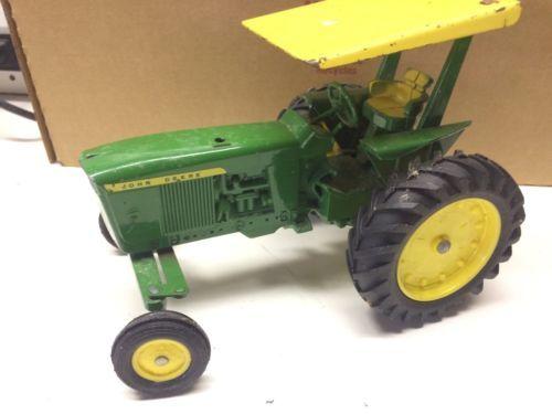 Vintage Ertl Diecast John Deere Tractor https://t.co/UoYVXAUtWr https://t.co/HKsGvcdW5I