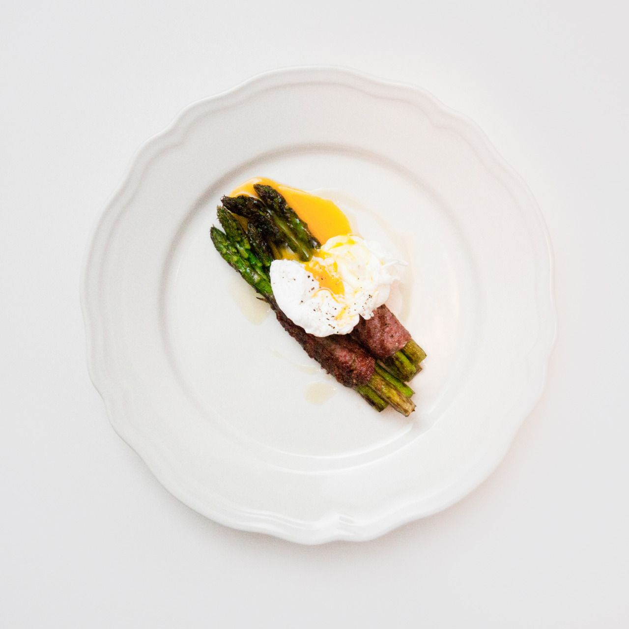 Grilled Asparagus Poached Egg. | Food for Thought | Pinterest