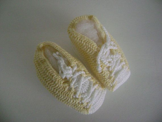 Newborn boots by littlefrogboutique on Etsy, $10.00