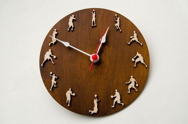 Basketball clock sport gift for sportsmen home decor wood wall clock with basketball players - Besondere wanduhren ...