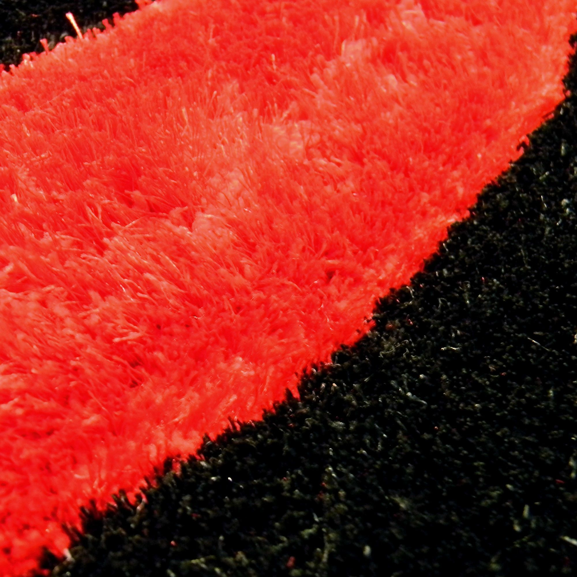 Shaggy Red/Black Abstract 2-Tone Wavy Area Rug