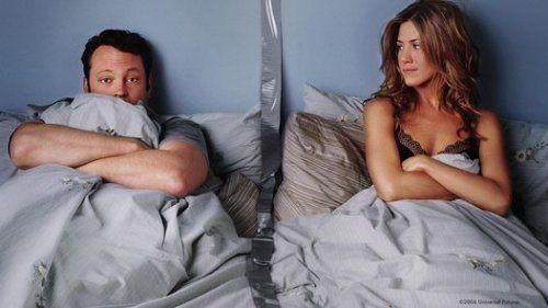 """¿Te imaginas dormir con tu pareja en habitaciones separadas? Es una idea que nos sorprende pero, si la analizamos en profundidad, no nos parece tan descabellada. Parece que una de las cláusulas que """"firmamos"""" cuando iniciamos una relación de pareja y nos vamos a vivir juntos es que hay que dormir en la misma habitación. …"""