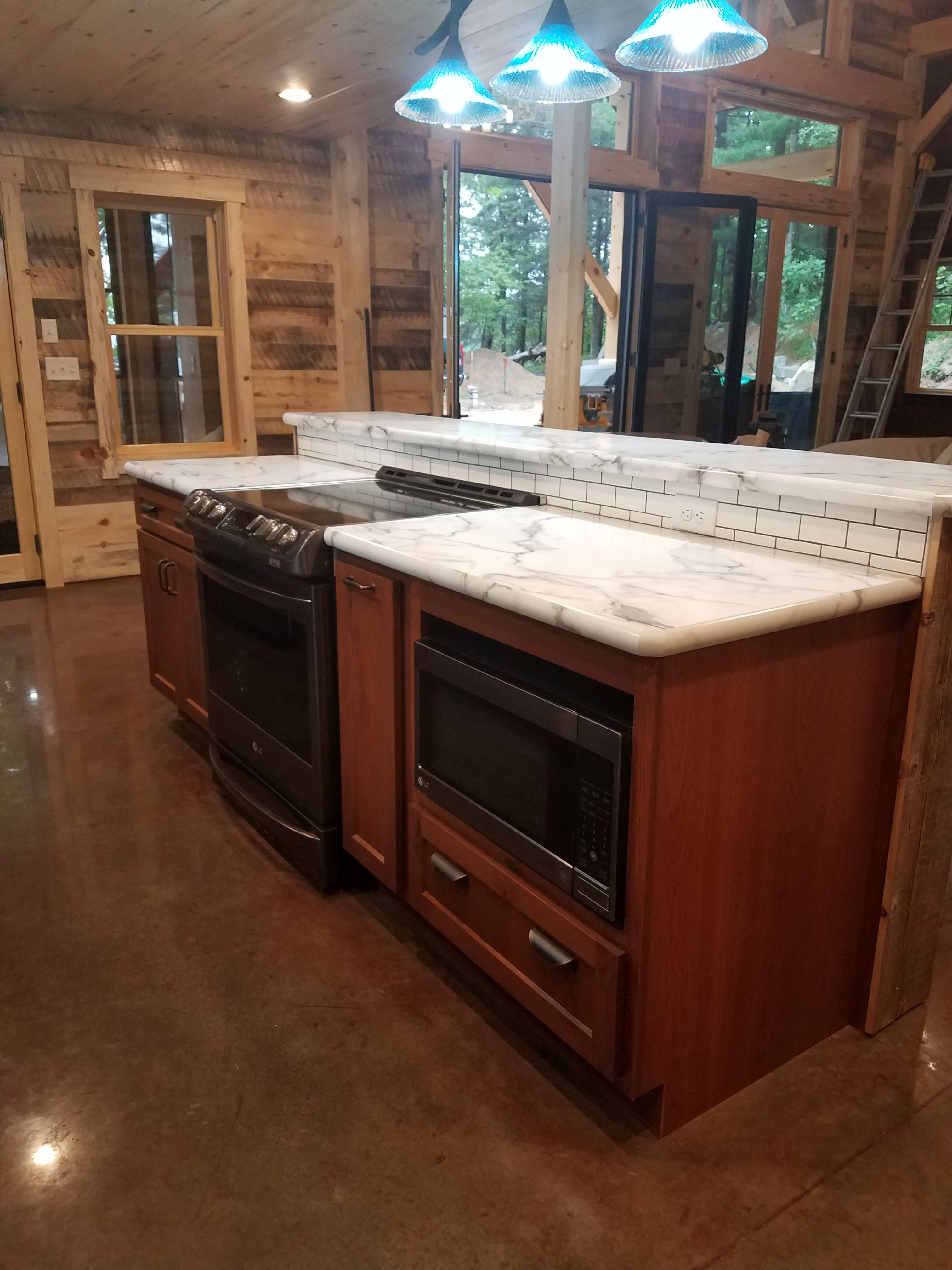 Best Rustic Hickory Cabinets With A Cinnamon Stain And 400 x 300