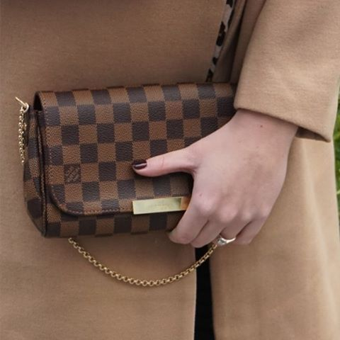 b1a3a831ea98 Louis Vuitton Favorite PM damier ebene crossbody