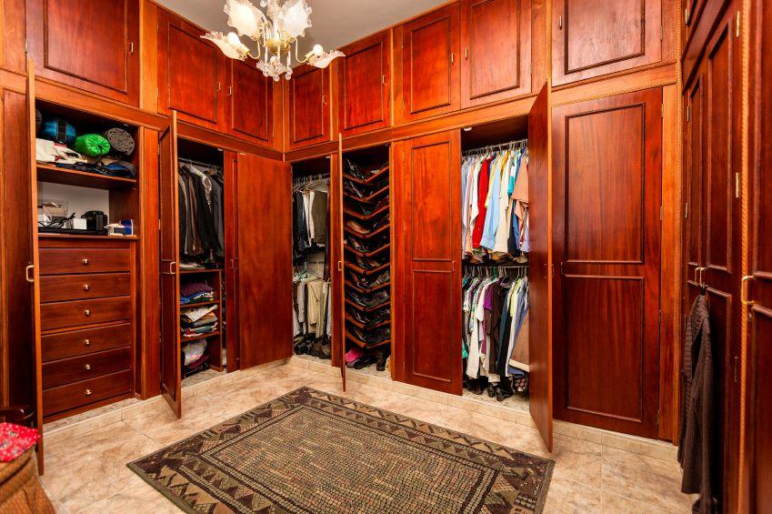 75 Fabulous Unisex Walk-In Closet Designs | Walk in closet ...