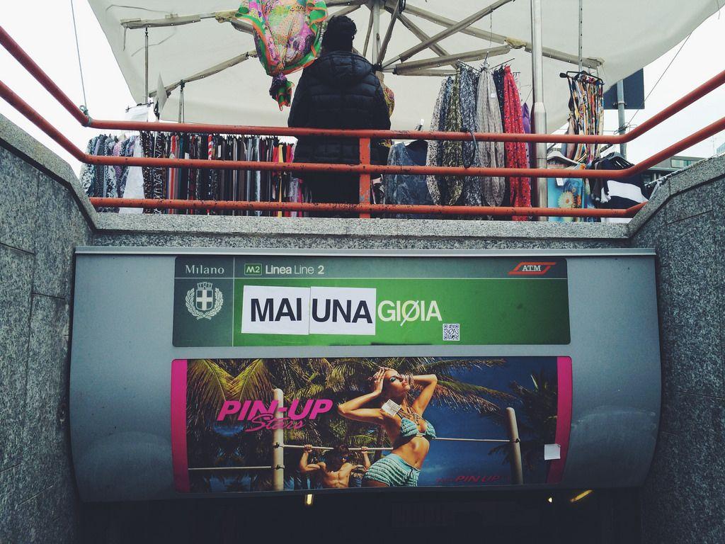La fermata della metro di #Milano da Gioia diventa Mai una gioia.  #mainagioia #maiunagioia #gioia #metro #ironia #sarcasmo #umorismo #neverajoy