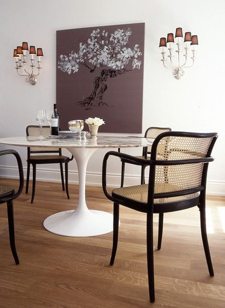 Pictures Of Round Marble Top Tulip Dining Table Tulip