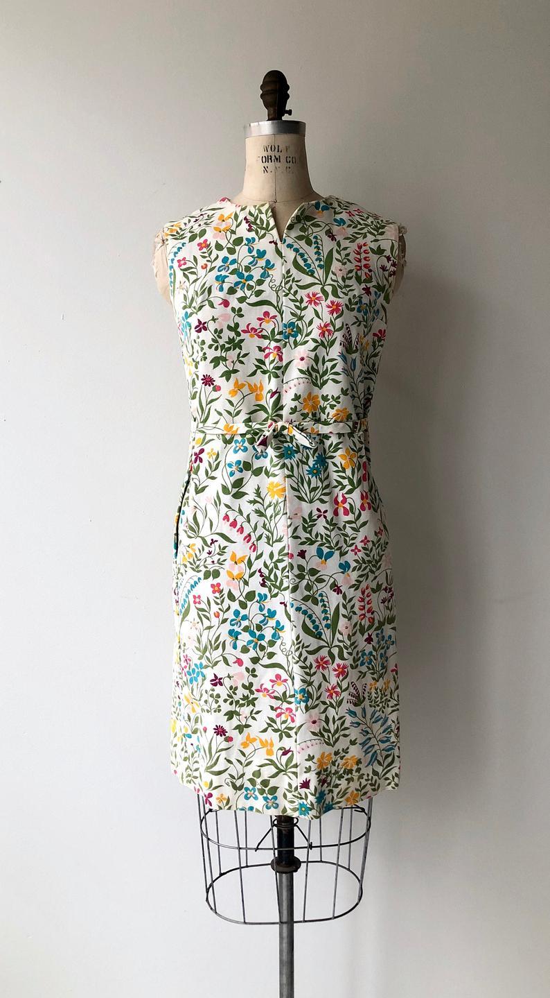 Spring Equinox Dress 1960s Floral Shift Dress 60s Cotton Etsy Shift Dress Floral Shift Dress Cotton Shift Dress [ 1439 x 794 Pixel ]