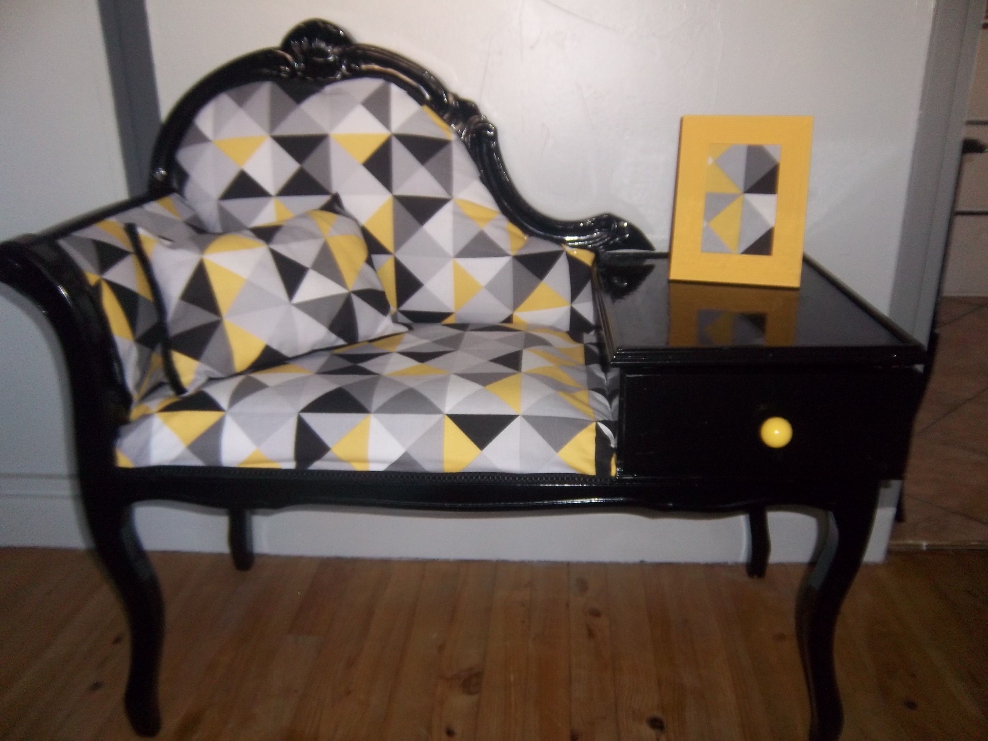 fauteuil t l phone vintage design ancien telephone vintage vintage et relooking meuble. Black Bedroom Furniture Sets. Home Design Ideas