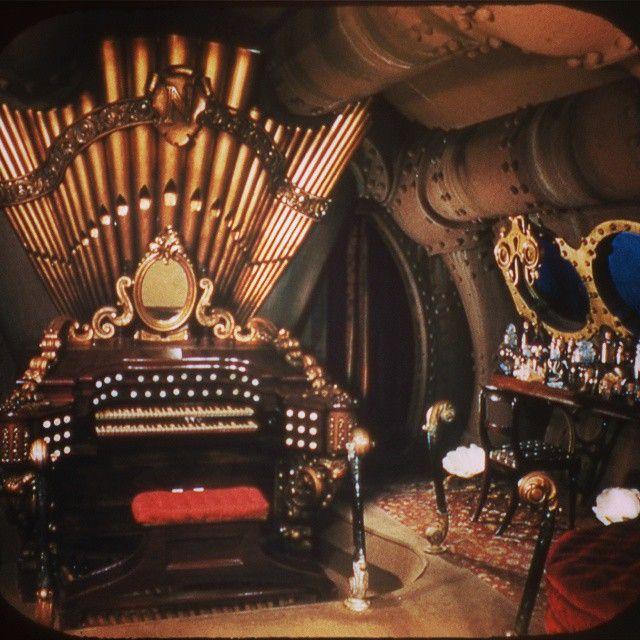 Pipeorgan underthesea steampunk submarine nautilus for Steampunk story ideas