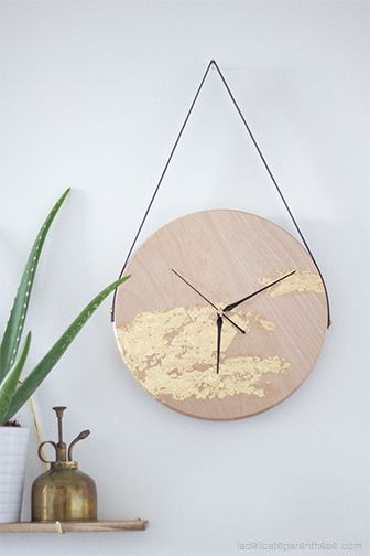 diy une horloge suspendue minimaliste et dor e diy pinterest reloj deco y actividades. Black Bedroom Furniture Sets. Home Design Ideas