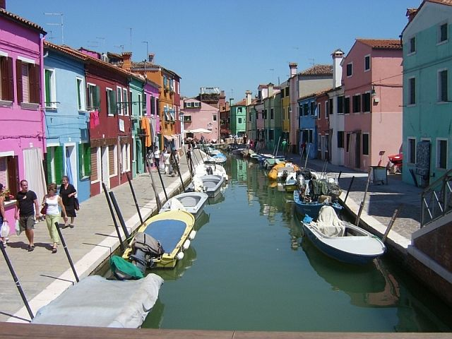 Burano, Venice. I went there for one day :)... Loveley!