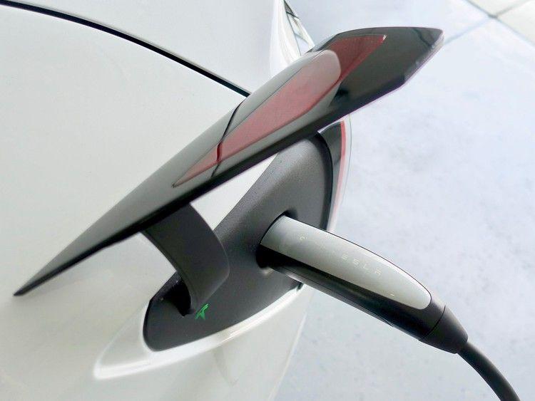 Tesla Is Making A Huge Charger Shift To Ccs For Model 3 S Europe Launch Inverse Tesla Tesla Model Tesla Model 3s