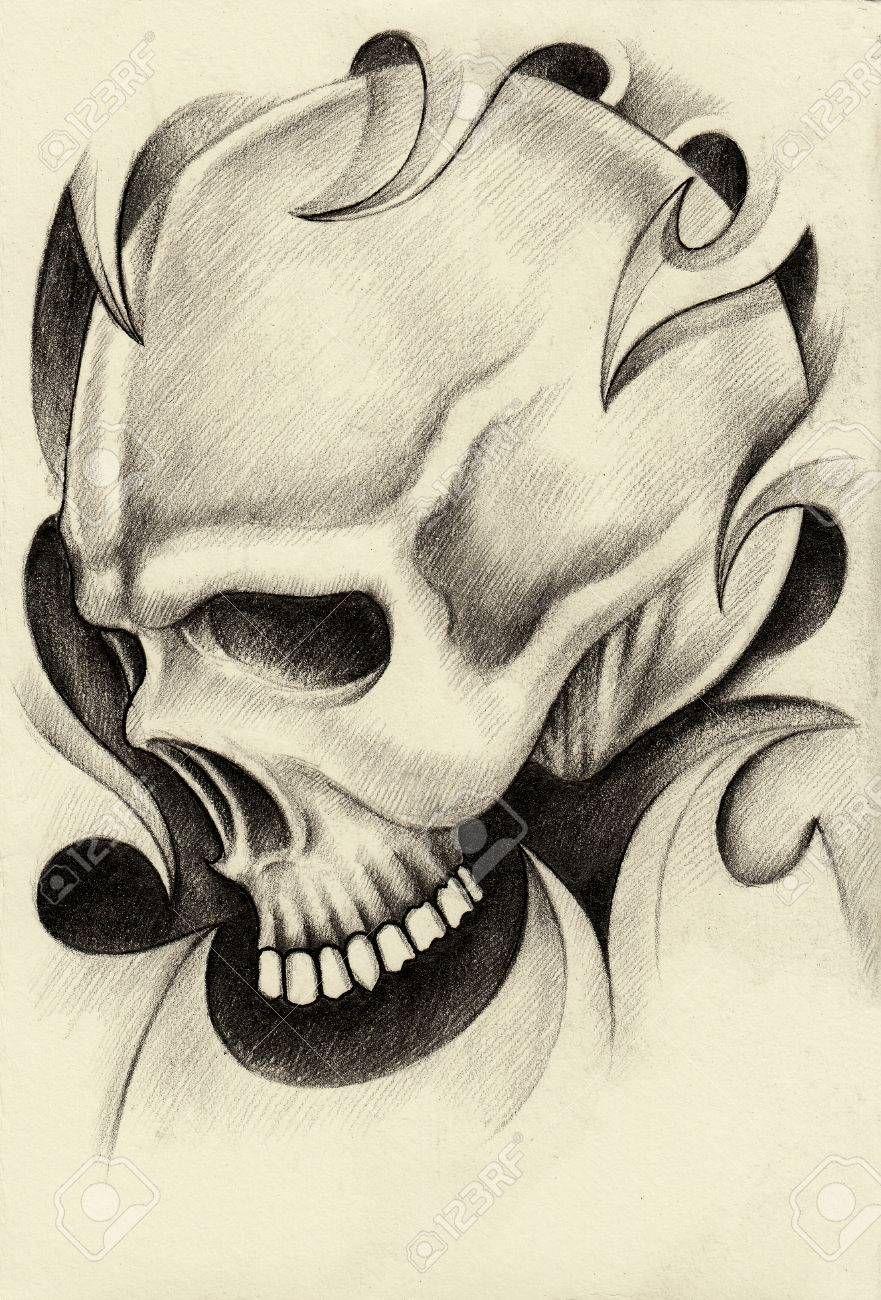 Craneo Dibujo A Lapiz Arte Tattoo Hand En Papel Fotos Retratos Craneo Dibujo Calaveras A Lapiz Dibujos