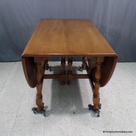 Lot 188 Pennsylvania House Maple Drop Leaf Dining Table