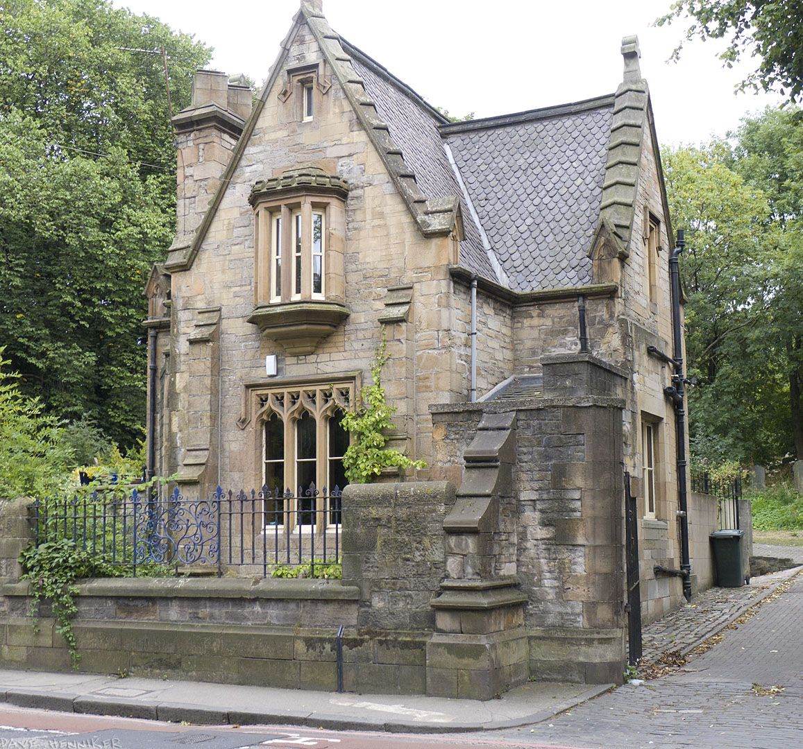 dalry cemetery lodge house edinburgh i would go past this house every day on the way to work. Black Bedroom Furniture Sets. Home Design Ideas
