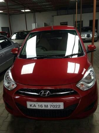 Hyundai I10 Sportz 2011 Model Cherry Red Color Second Owner For