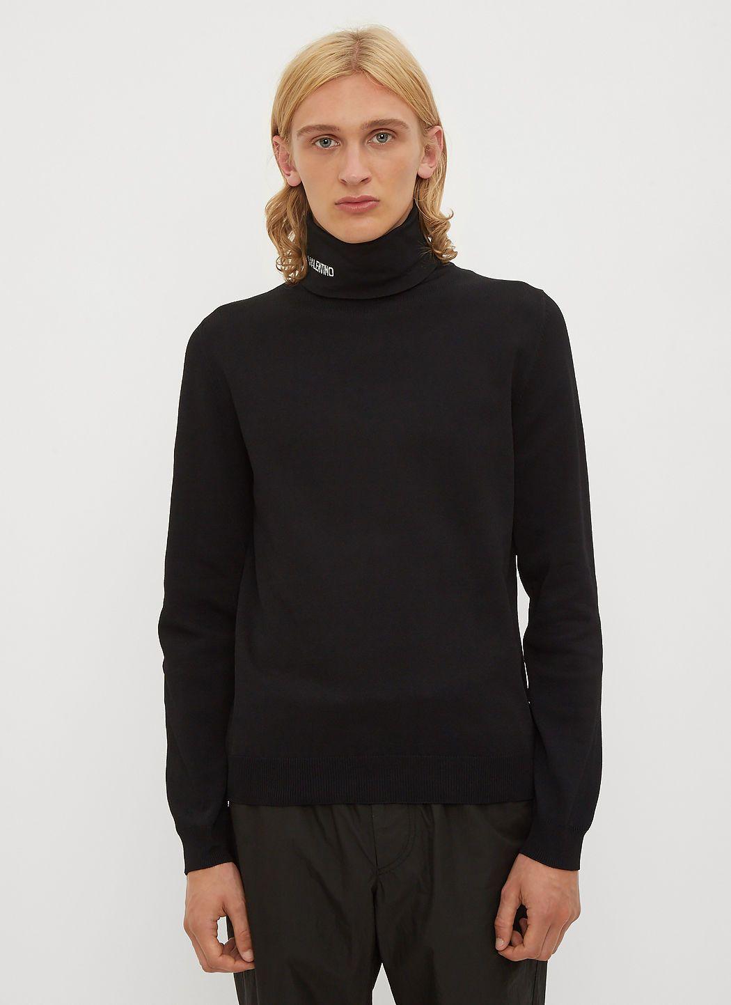 b3bddf5c0a6e99 VALENTINO Logo Intarsia Turtleneck Knit Top in Black. #valentino #cloth #
