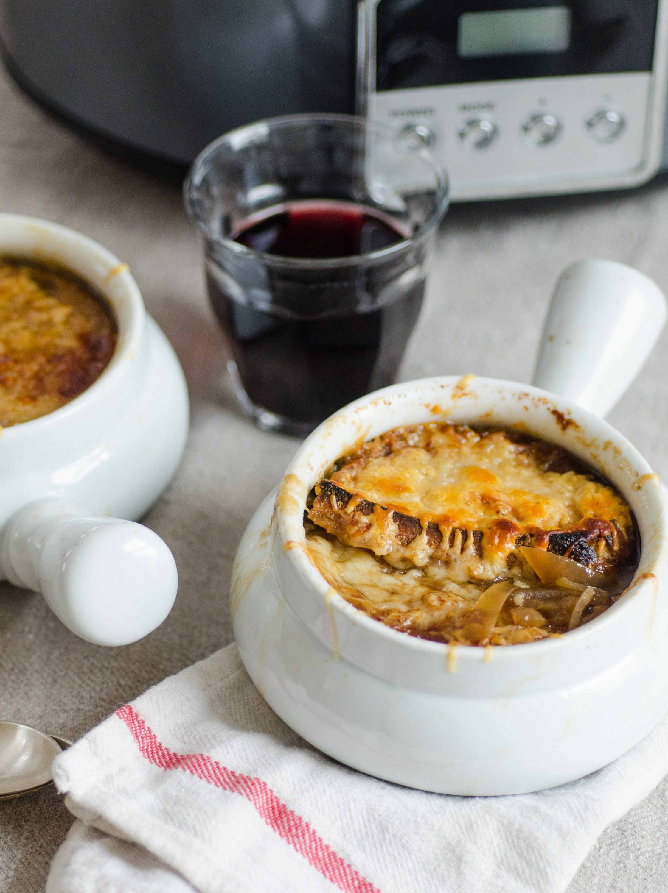 How To Make French Onion Soup In The Slow Cooker Recipe Recipes