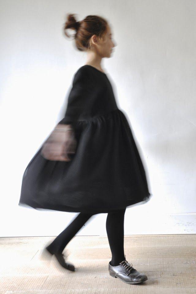 Robe de Noel en tulle noir : http://www.vdj-boutique.com/-selection-de-vetements-de-fete/3907-robe-de-noel-enfant.html