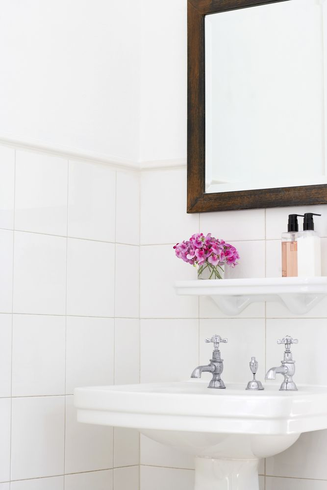 11 Items You Should Have In Your Guest Bathroom Amazing Bathrooms Bathroom Mirror Guest Bathroom