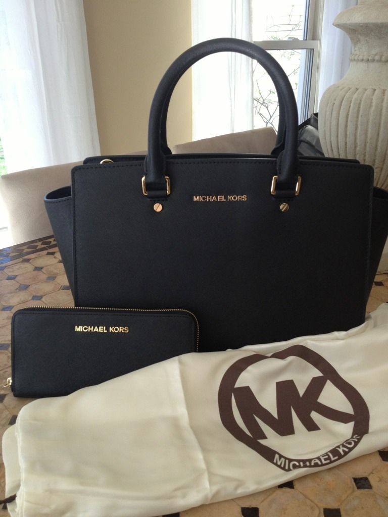 6bc73b101beb Michael Kors Selma Black Tote Bag and Purse. | My style | Michael ...