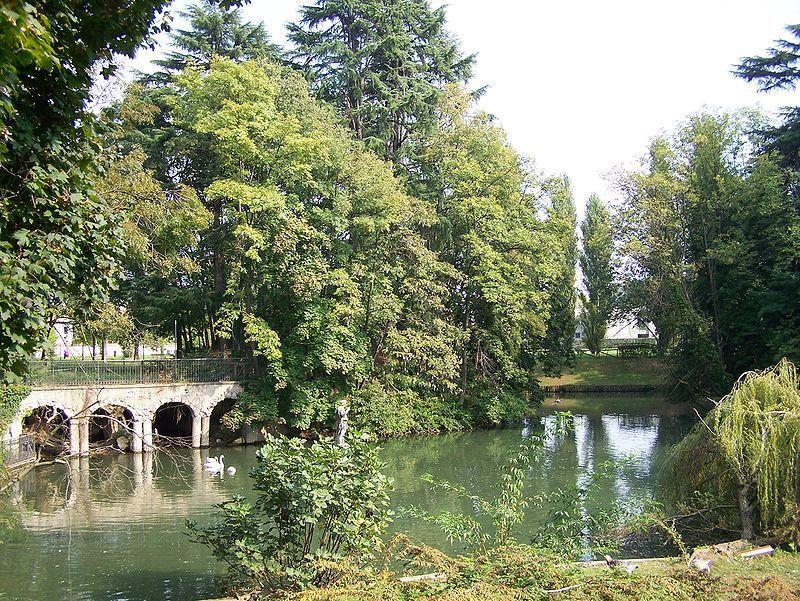 Il laghetto di Villa Frisiani-Olivares-Ferrario  | Corbetta