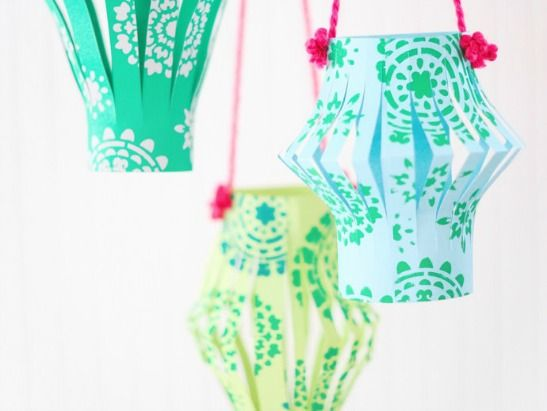 Precious DIY Chinese Paper Lanterns from Handmade Charlotte! They are super easy for party decor, a bridal shower, a kids room... love it!