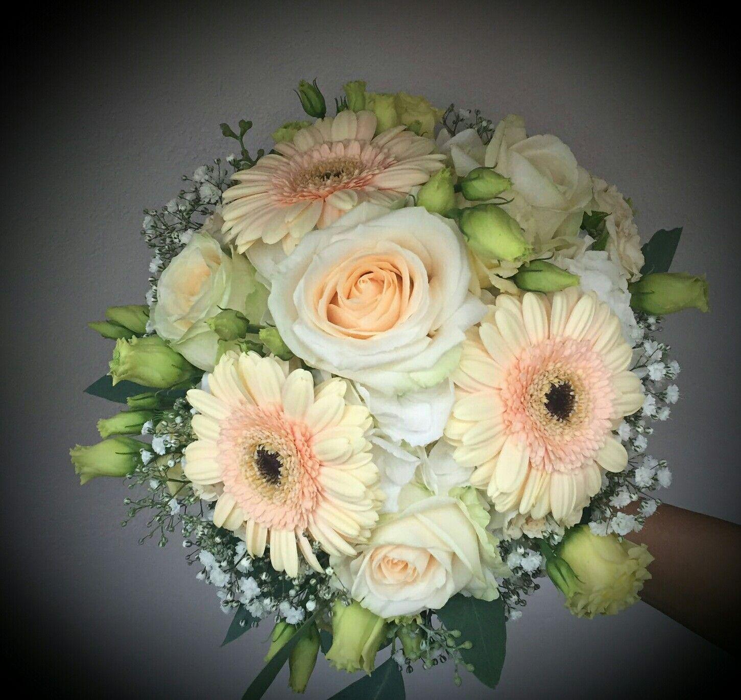 Brautstrauss Mit Gerbera Rosen Und Eustoma Blumen Wedding