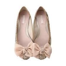Like these frilly little shoes a lot!