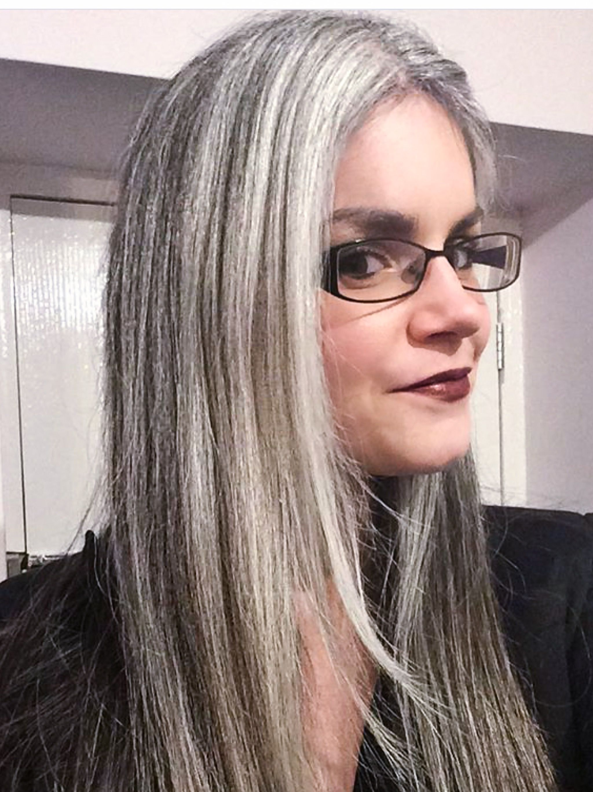 Salt and pepper gray hair. Grey hair. Silver hair. White hair ... f0060b7e9af7