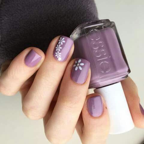 Simple Floral Accent Nails 3 With Images Trendy Nails Spring