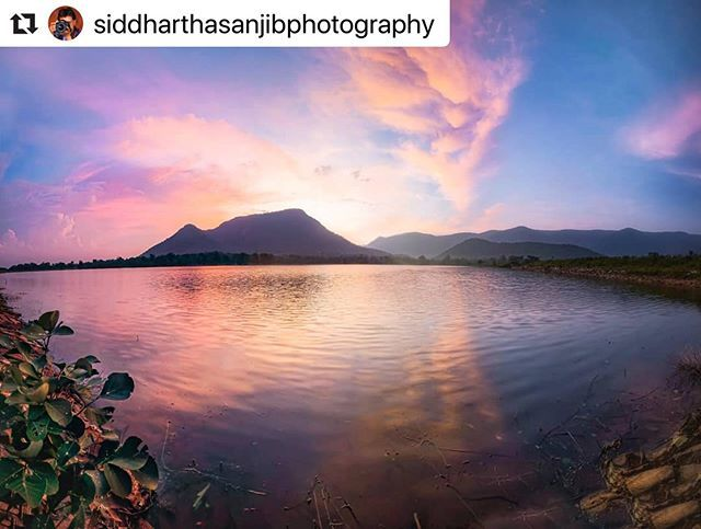 #bhubaneswarbuzz pic courtesy @siddharthasanjibphotography  Sunset Vibes  Baghjharan is best place to enjoy beauty of  sunset in Odisha. It's just situated 80 km from Balangir district near Harishankar.  #longexposure #longexposure_shots  #lonelyplanet #lonelyplanetindia  #travelphotography  #natgeotravel  #naturephotography  #natgeo #natgeoyourshot  #bhubaneswarbuzz #siddharthasanjibphotography