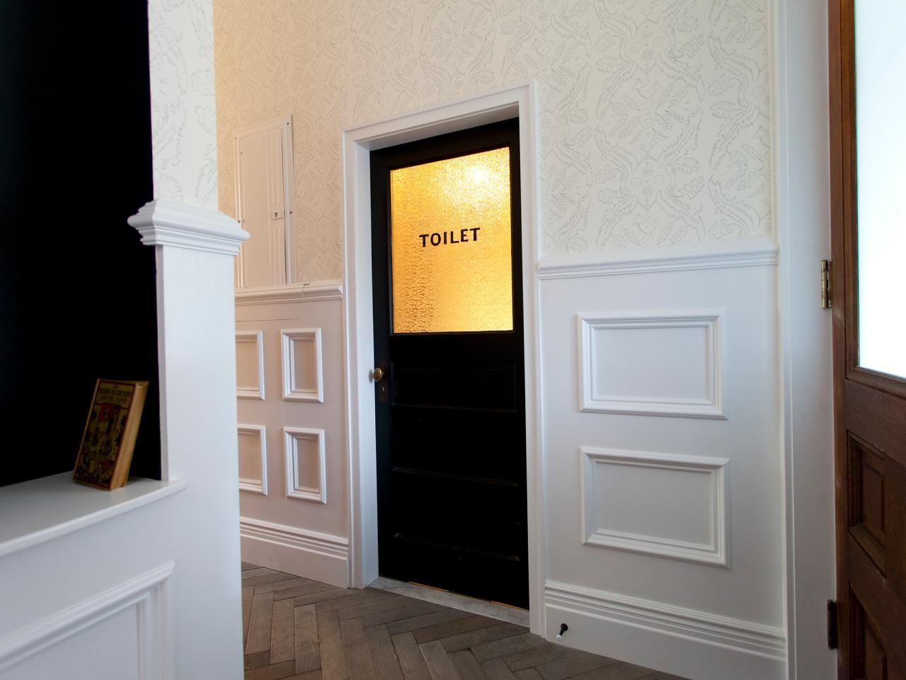 Designer Genevieve Gorder kept the original antique bathroom door ...
