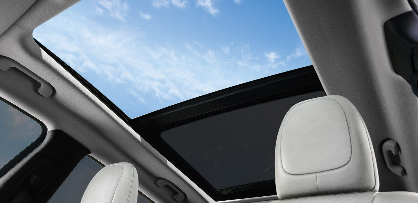 2018 Jeep Cherokee Interior sunroof open | Ride ...