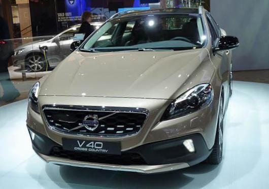 Volvo V40 Cross Country Specification - http://autotras.com