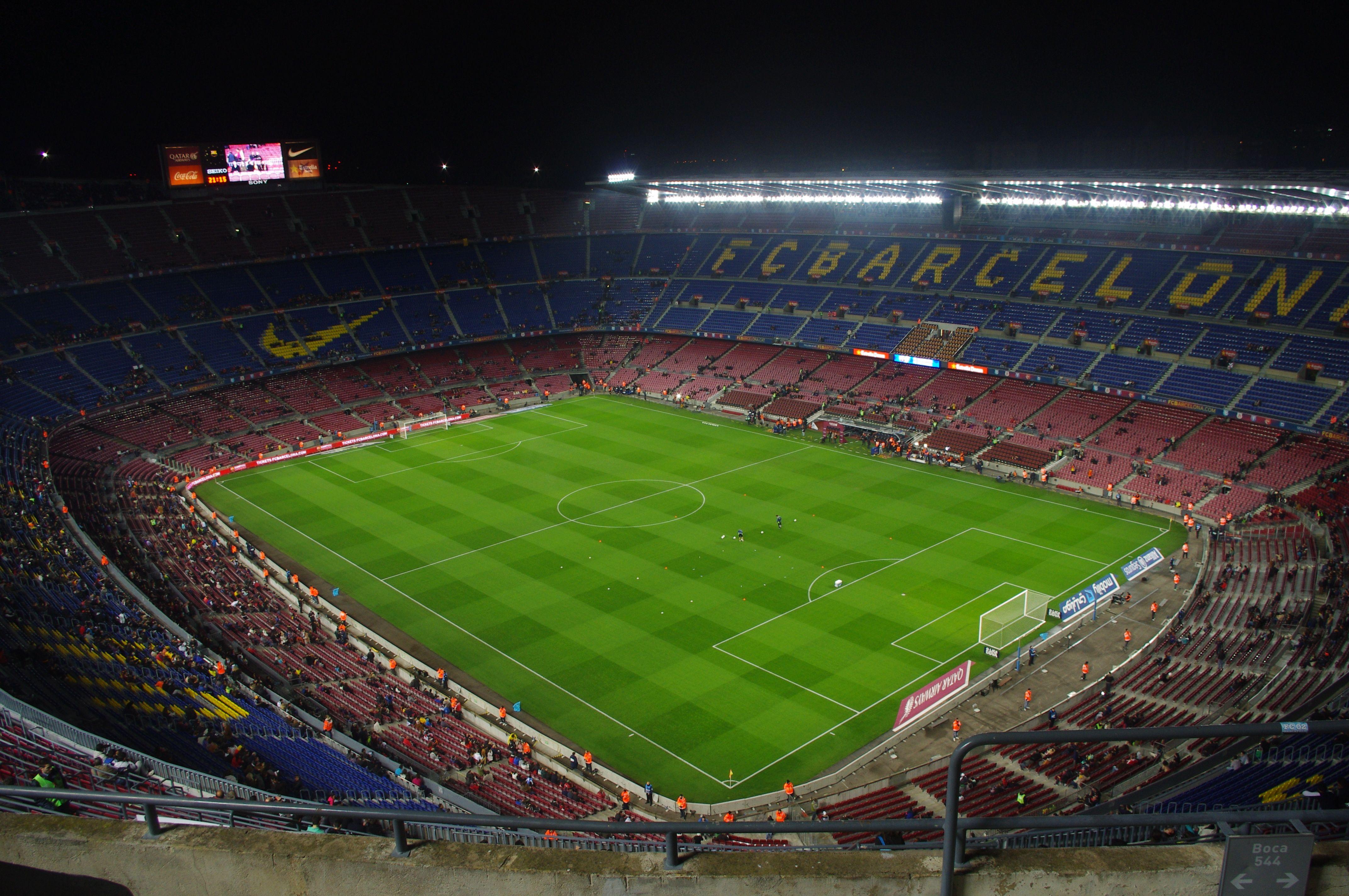 Estadio Giuseppe Meazza Milán Italia Capacidad 81 277 espectadores Equipos locales A C Milan y F C Internazionale En lineas generales cuand…