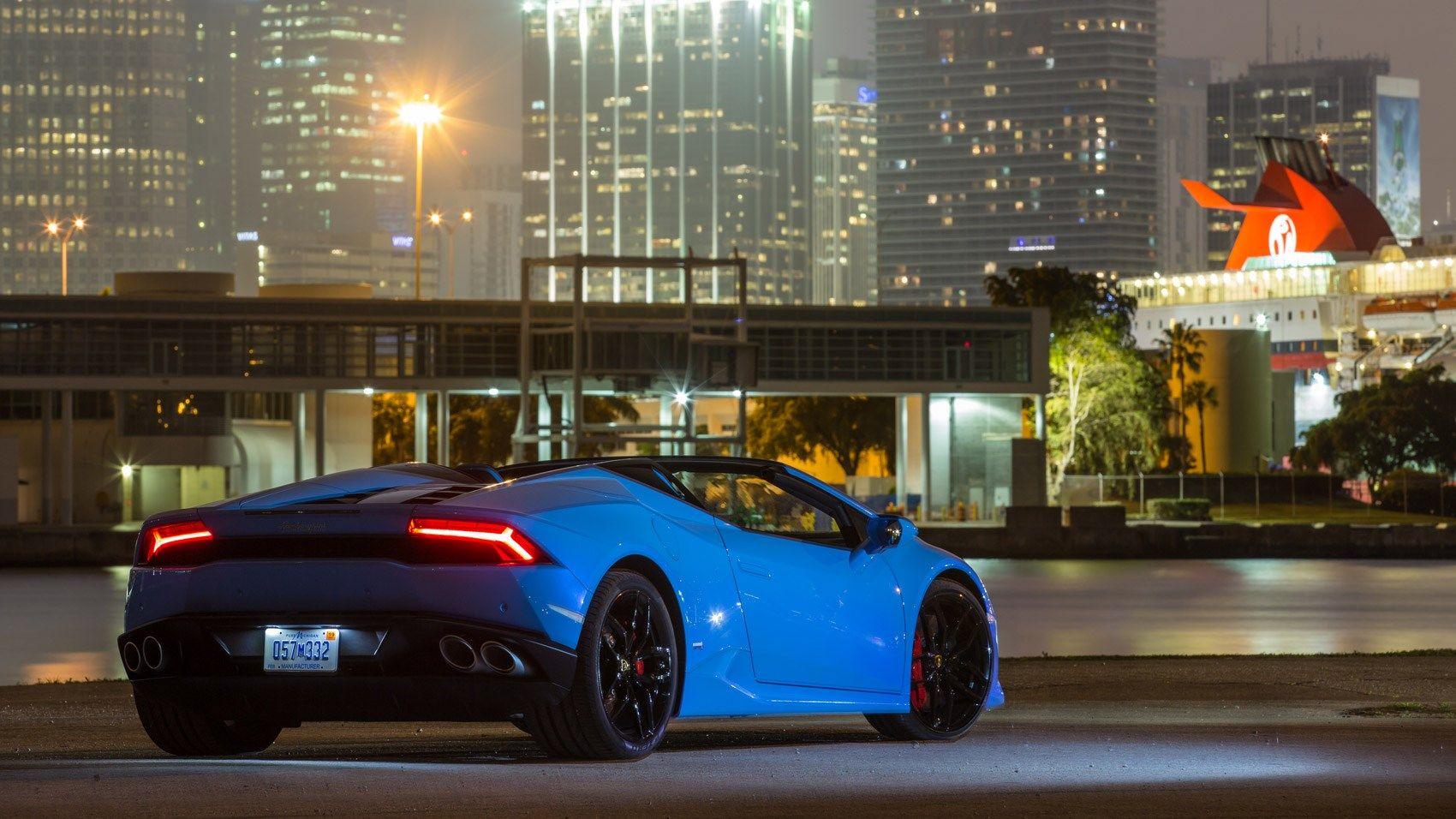 Lamborghini Huracan LP610 4 Spyder (2016) Review By CAR Magazine