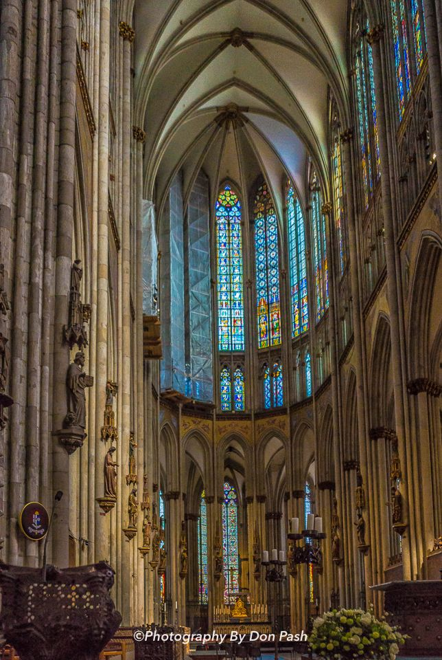 Cologne Cathedral Altar View Of The Altar And Magnificent Stained Glass Windows From Inside In The Cologne Cathedral Cologne German Glass Art Art Cool Eyes