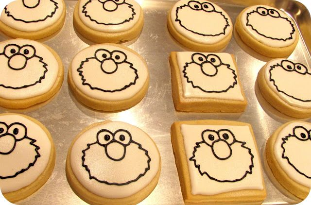 Hello Cupcake!: Elmo/Cookie Monster First Birthday