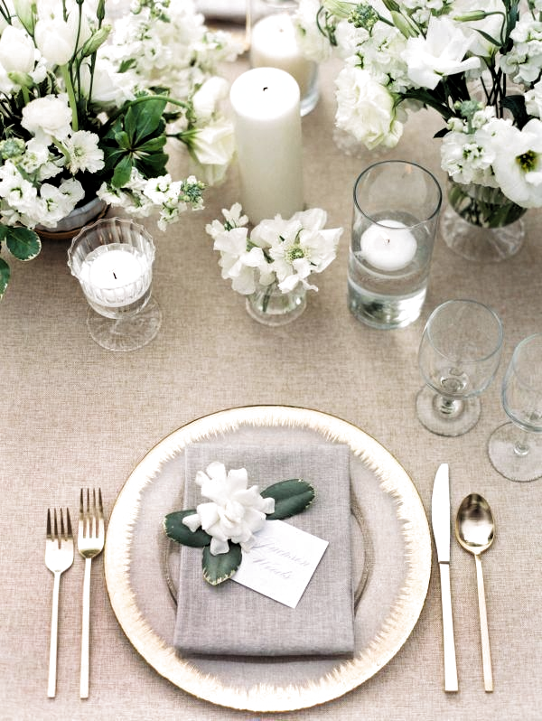 White and Gold Neutral Wedding #LuvBridal #Gold #Table #Reception #TableSetting #Guest #tablesettings