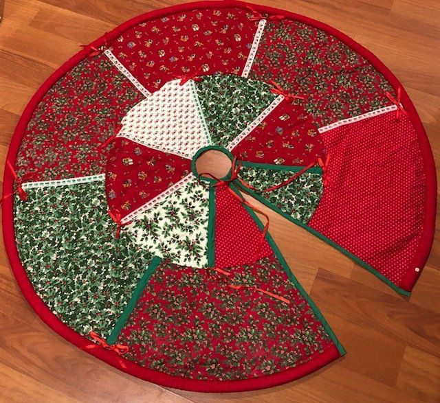 Etsy Christmas Tree Skirt: Quilted, Handmade, Traditional