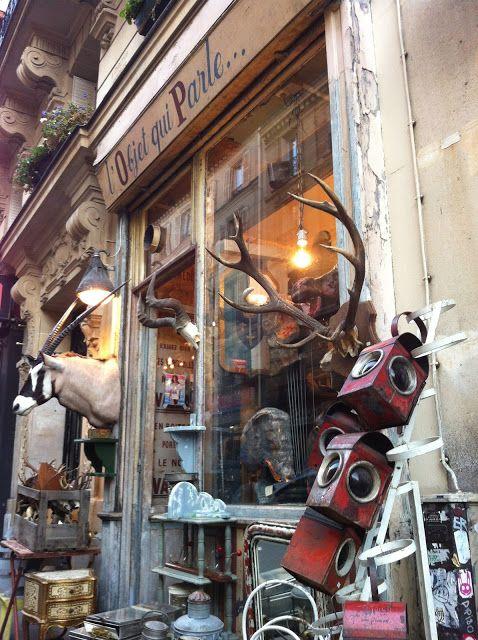 La Denicheuse Flash Denichage Si Vous Cherchez Des Objets De Deco Qui Ont Une Histoire Une Vrai Boutique Deco Paris Facades De Magasins Magasin Deco Paris