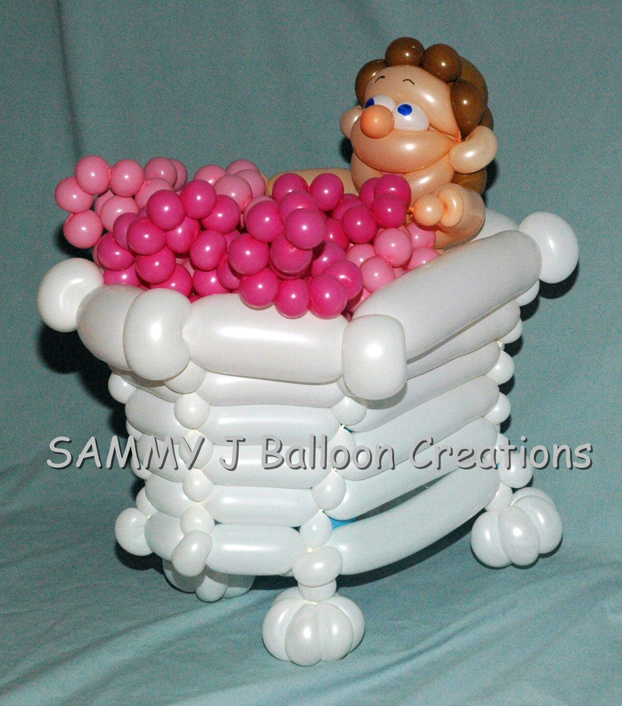 Time for a relaxing bubble bath. From a husband to a wife with a gift certificate for a spa weekend.       http://sammyjballoons.com/