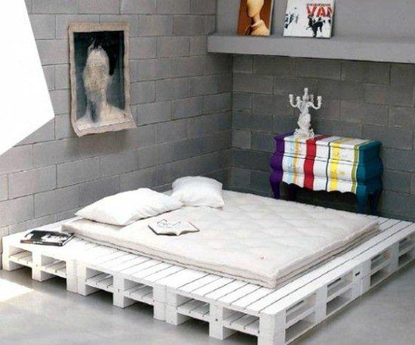 Bett selber bauen 140x200 paletten  bett gemälde europaletten selber bauen klassisch | Paletten ...